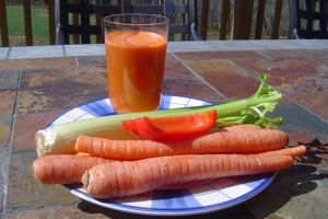 Carrot celery and red bell pepper juicer recipe